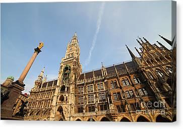 Munich City Hall Canvas Print by Holger Ostwald