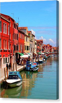 Murano, Italy Canvas Print by Annhfhung