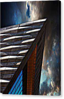Canvas Print featuring the photograph Museum Of Liverpool by Meirion Matthias