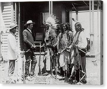 Native Americans Talking To American Canvas Print by Photo Researchers
