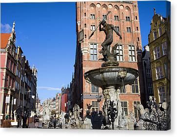 Neptune Fountain In Gdansk Canvas Print by Artur Bogacki
