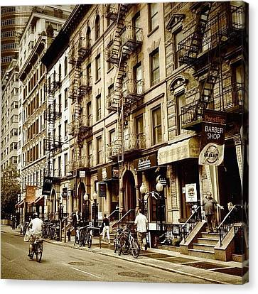 New York City - Back In Time Canvas Print by Vivienne Gucwa