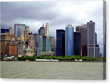 Canvas Print featuring the photograph New York City by Pravine Chester
