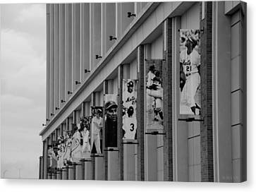 New York Mets Of Old  In Black And White Canvas Print by Rob Hans