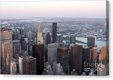 Canvas Print featuring the photograph New York by Milena Boeva