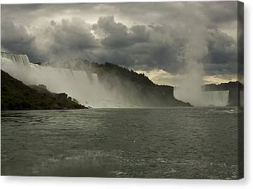 Canvas Print featuring the photograph Niagara Power by Darleen Stry
