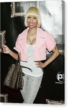 Nicki Minaj In Attendance Canvas Print by Everett