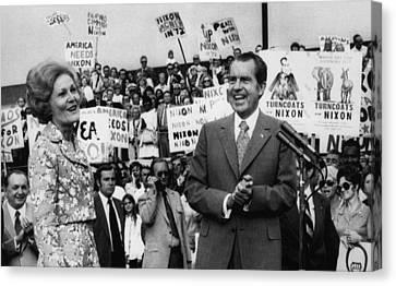 Nixon Presidency.  First Lady Patricia Canvas Print by Everett