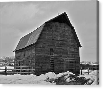 Canvas Print featuring the photograph Noble Barn by Eric Tressler