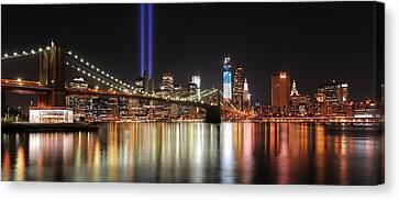 Nyc - Manhattan Skyline 9-11 Tribute Canvas Print