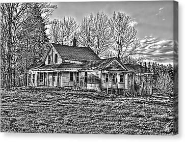 Old Abandoned Farmhouse Canvas Print