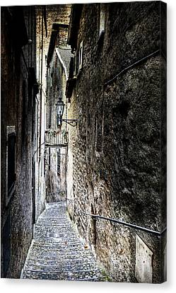 old alley in Italy Canvas Print by Joana Kruse