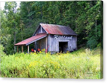 Old Barn Near Silversteen Road Canvas Print by Duane McCullough