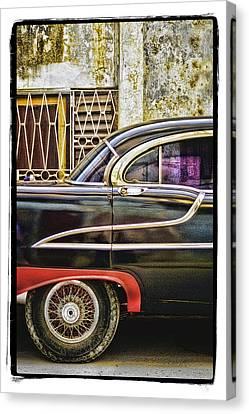 Old Car 2 Canvas Print by Mauro Celotti