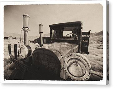Old Time Picture Of A Truck Canvas Print by George Oze