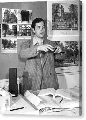 Orson Welles In A Promotional Still Canvas Print by Everett
