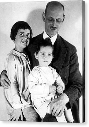 Otto Frank With His Daughters Margot Canvas Print by Everett