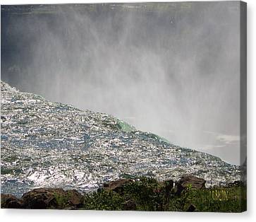 Over The Brink Of Niagara Falls  Canvas Print