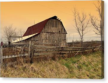 Canvas Print featuring the photograph Ozark Barn 1 by Marty Koch