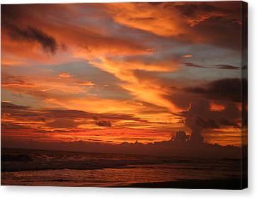 Pacific Sunset Costa Rica Canvas Print by Michelle Wiarda