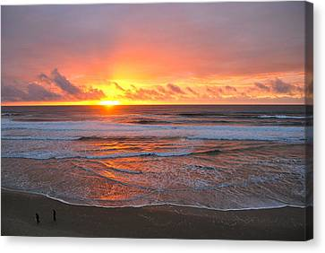 Pacific Sunset Canvas Print by Eric Tressler