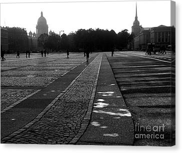 Palace Square In Saint Petersburg Canvas Print by Design Remix
