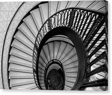 Palmer House Staircase Canvas Print by Sheryl Thomas