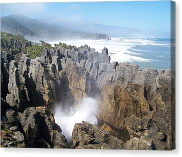 Canvas Print featuring the photograph Pancake Rocks Blowhole by Peter Mooyman