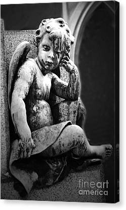 Paris Cemetery - Pere La Chaise - Black And White Cherub Canvas Print by Kathy Fornal