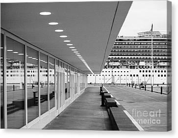 Passenger Terminal Canvas Print by Gaspar Avila