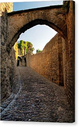 Canvas Print featuring the photograph Pathway Through Gordes France by Dave Mills