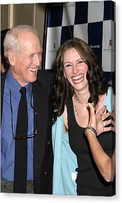 Paul Newman, Julia Roberts At Arrivals Canvas Print by Everett