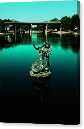 Canvas Print featuring the photograph Pearl Of The Rios Concho by Louis Nugent