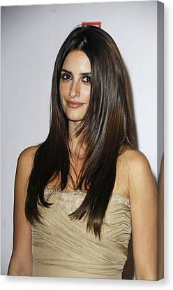 Penelope Cruz At Arrivals For The Canvas Print by Everett