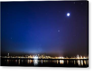 Perseid Meteor In Seattle Canvas Print by Yoshiki Nakamura