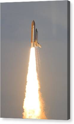 Photo Of Space Shuttle Atlantis Canvas Print by Mike Theiss
