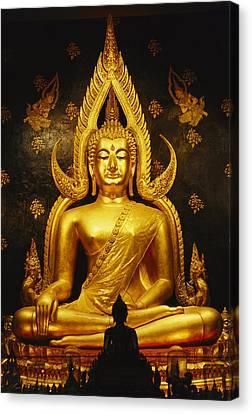 Phra Phuttha Chinnarat Buddha Canvas Print by Martin Gray