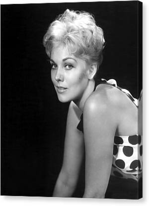 Picnic, Kim Novak, 1955 Canvas Print by Everett