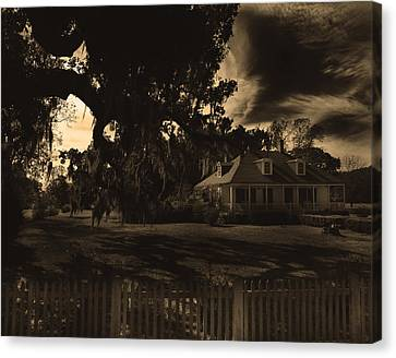 Plantation House  Canvas Print by Maggy Marsh