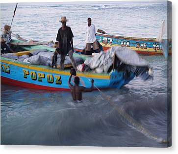 Popoz Canvas Print by Makati Janlwi