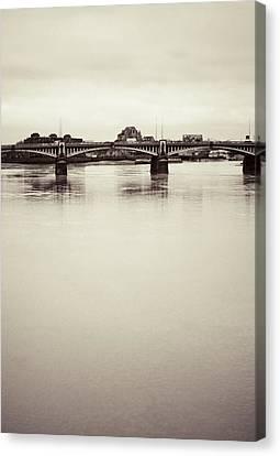 Canvas Print featuring the photograph Portrait Of A London Bridge by Lenny Carter