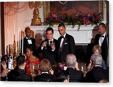 President Barack Obama And President Hu Canvas Print by Everett