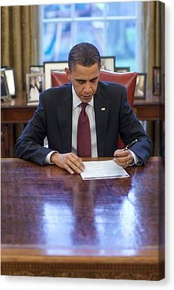 President Barack Obama Fills Canvas Print by Everett