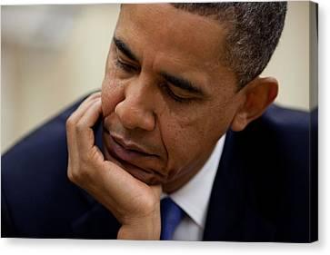 President Barack Obama Reads A Document Canvas Print