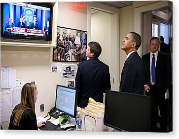 President Barack Obama Watches Msnbc Canvas Print by Everett