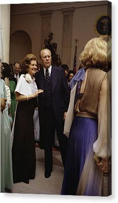 President Ford And First Lady Betty Canvas Print by Everett