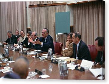 President Johnson Meeting With The Us Canvas Print by Everett