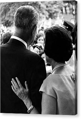 President Lyndon Johnson And Wife Lady Canvas Print by Everett