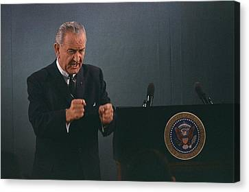 President Lyndon Johnson In An Emphatic Canvas Print by Everett