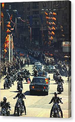 President Nixon Waves To The Crowd Canvas Print by Everett